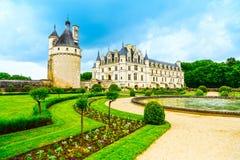 Il castello e lo stagno francesi medievali di Chateau de Chenonceau Unesco gar Fotografie Stock Libere da Diritti