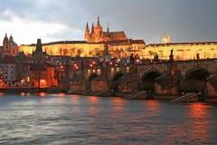 Il castello magnifico di Praga Immagine Stock