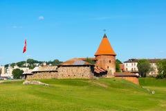 Il castello medievale a Kaunas immagini stock