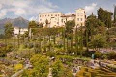 Il castello Merano Italia di Trauttmansdorff fiorisce e giardini delle orchidee fotografia stock