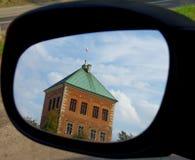 Il castello nello specchietto retrovisore esterno fotografia stock