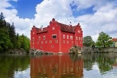 Il castello rosso Cervena Lhota in repubblica Ceca immagine stock libera da diritti