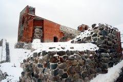 Il castello superiore tiene sulla collina di Gediminas è una parte del complesso del castello di Vilnius Immagini Stock