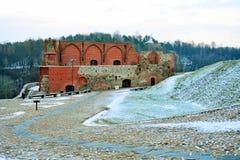 Il castello superiore tiene sulla collina di Gediminas è una parte del complesso del castello di Vilnius Fotografia Stock Libera da Diritti
