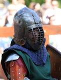Il cavaliere medievale prima della battaglia Fotografia Stock Libera da Diritti