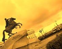 Il cavallerizzo Bronze Immagine Stock
