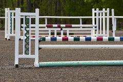 Il cavallo equestre salta Fotografie Stock