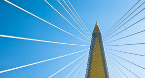Il cavo ha restato il ponte a Bangkok Fotografia Stock