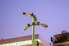 Il CCTV è stato installato nel sentiero per pedoni o nel parco per registrare e fissare Fotografia Stock Libera da Diritti