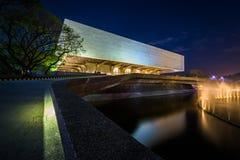 Il centro culturale delle Filippine alla notte, in Pasay, metropolitana Immagini Stock