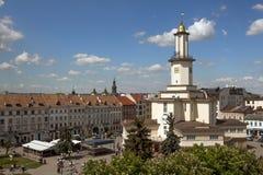 Il centro della città di Ivano-Frankivsk, Ucraina, in primavera 2016 E immagini stock libere da diritti