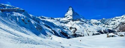 Il Cervino in alpi svizzere Immagini Stock Libere da Diritti
