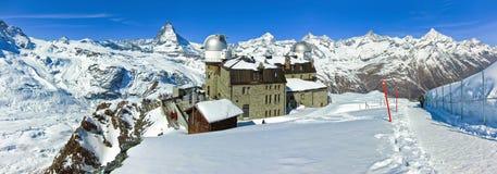 Il Cervino ed alpi svizzere in svizzeri Fotografia Stock