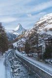 Il Cervino nel paesaggio della montagna di orario invernale di Zermatt Fotografia Stock