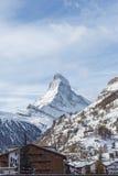 Il Cervino nel paesaggio della montagna di orario invernale di Zermatt Immagini Stock