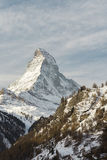 Il Cervino nel paesaggio della montagna di orario invernale di Zermatt Immagini Stock Libere da Diritti