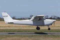 Il Cessna 1963 172E Skyhawk quattro mette gli aerei a sedere leggeri VH-DIZ del singolo motore Immagine Stock