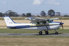 Il Cessna 1980 172N Skyhawk quattro mette gli aerei a sedere leggeri VH-TBL del singolo motore Fotografia Stock