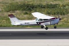 Il Cessna Skyhawk Fotografie Stock Libere da Diritti