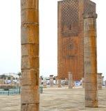 il chellah in vecchi monumen deteriorati romani del Marocco Africa immagine stock