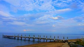 Il cielo blu non mi importuna Fotografia Stock