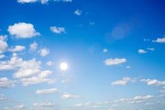 Il cielo ed il sole Immagine Stock