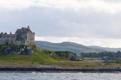 Il cielo nuvoloso sopra il castello del duart sull'isola di sciupa Fotografia Stock