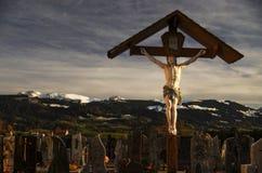Il cimitero nelle alpi Immagini Stock Libere da Diritti