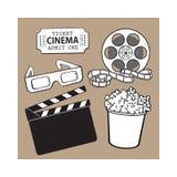 Il cinema obietta il secchio del popcorn, rotolo di film, biglietto, valvola, vetri 3d Immagine Stock