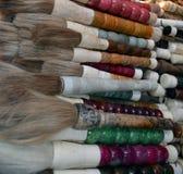Il cinese di calligrafia di Pechino Cina del mercato di Panjiayuan spazzola le penne con le decorazioni sulle vendite allo stile  Immagini Stock