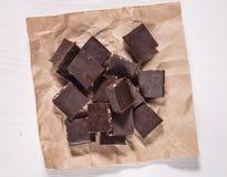 Il cioccolato fondente con i dadi Immagine Stock