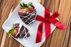 Il cioccolato ha coperto le fragole Fotografie Stock
