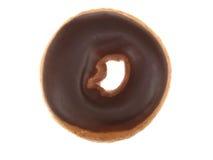 Il cioccolato ha ghiacciato la ciambella dell'anello fotografie stock libere da diritti