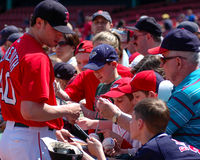 Il Cla Meredith del lanciatore di Red Sox firma gli autografi Fotografia Stock Libera da Diritti