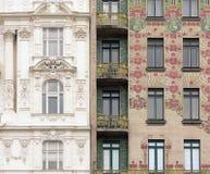 Il classico incontra Art Nouveau a Vienna, Austria fotografia stock