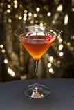 Il cocktail di Manhattan ha guarnito Immagine Stock