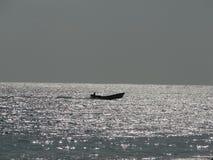 Il colore dell'Oceano Atlantico è d'argento fotografie stock libere da diritti