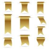 Il colore dell'oro che appende le insegne curve del nastro ha messo eps10 Immagine Stock Libera da Diritti