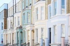 Il colore pastello alloggia le facciate a Londra Fotografia Stock Libera da Diritti