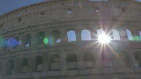 Il Colosseo in bel tempo archivi video