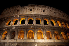 Il Colosseum alla notte, Roma Immagini Stock
