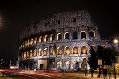 Il Colosseum a Roma, Italia nella notte immagine stock