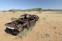 Il colpo fuori abbandona l'automobile Kaokoland fotografie stock libere da diritti