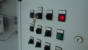 Il comitato di protezione contro l'incendio per gestire la pianta materiale elettrico del pannello di controllo Pannello di contr video d archivio