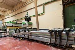 Il comitato per il controllo della macchina per la lavorazione del legno, circolare ha visto a woodworkin Fotografia Stock