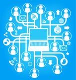 il computer portatile sociale della rete canta l'azzurro Fotografie Stock