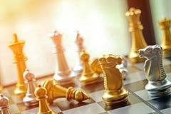 Il concetto ad angolo della concorrenza di affari con forte emozione e riscalda immagini stock libere da diritti