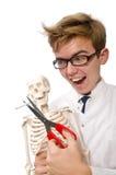 Il concetto contro il fumo con l'uomo e lo scheletro Fotografie Stock Libere da Diritti