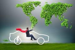 Il concetto dell'automobile elettrica nel concetto verde dell'ambiente Fotografia Stock Libera da Diritti