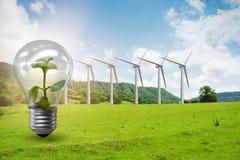 Il concetto dell'energia alternativa con i mulini a vento Fotografia Stock